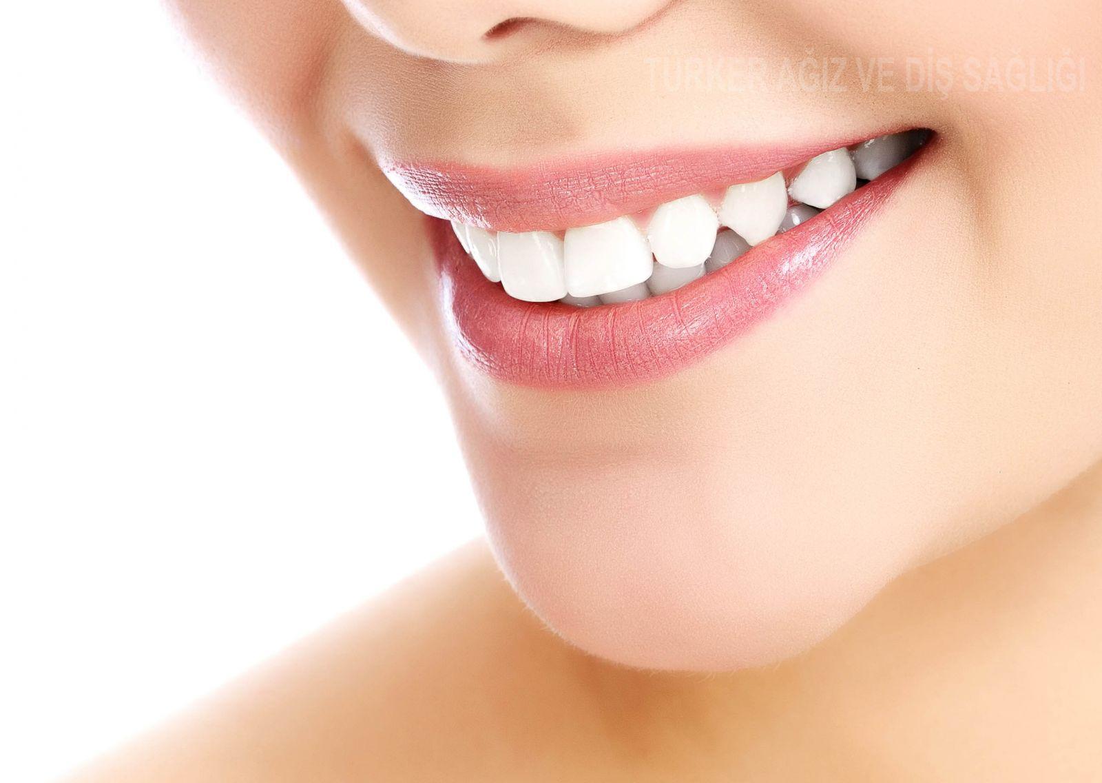 Evde Diş Beyazlatmanın 8 Yolu